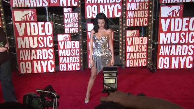 katy perry at the 2009 mtv video music awards at new york ny - 2009 bildbanksvideor och videomaterial från bakom kulisserna