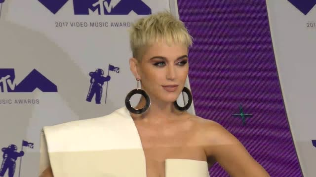 katy perry at the 2017 mtv video music awards at the forum on august 27 2017 in inglewood california - 2017 stock-videos und b-roll-filmmaterial