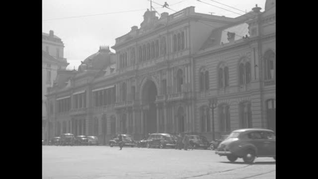 """kavanagh building / palace of the argentine national congress / presidential palace / quick notice """"repetto palacios"""" / high angle view of hundreds... - argentina video stock e b–roll"""