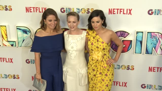 """kay cannon, britt robertson and sophia amoruso at the """"girlboss"""" los angeles premiere at arclight cinemas on april 17, 2017 in hollywood, california. - arclight cinemas hollywood stock-videos und b-roll-filmmaterial"""
