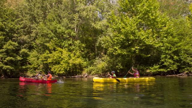 kayaking in river sorgues - kayaking bildbanksvideor och videomaterial från bakom kulisserna