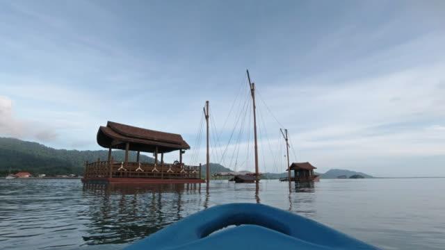 kayaking near sunken ship at sea - ross sea stock videos & royalty-free footage