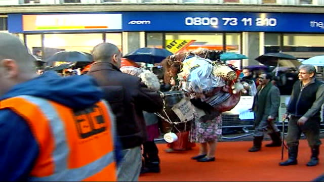 kazakhstan government offended by sacha baron cohen's spoof journalist borat england london leicester square ext * * flash photography * * extras... - borat sagdiyev stock-videos und b-roll-filmmaterial