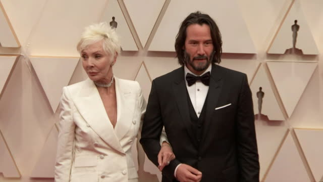 keanu reeves and his mother patricia taylor walking the red carpet at the 92nd annual academy awards at the dolby theater in los angeles, california. - music or celebrities or fashion or film industry or film premiere or youth culture or novelty item or vacations 個影片檔及 b 捲影像