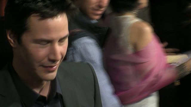 keanu reeves at the 'street kings' premiere on april 3 2008 - keanu reeves stock videos & royalty-free footage