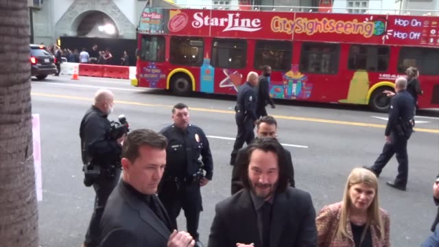 keanu reeves signs autographs for fans outside the john wick chapter 3 - parabellum premiere at tcl chinese theatre in hollywood in celebrity... - keanu reeves stock videos & royalty-free footage