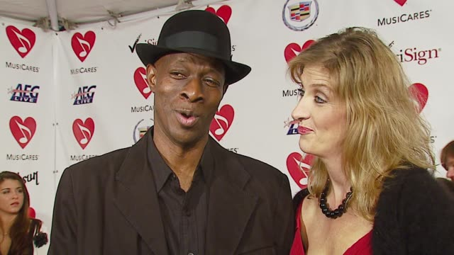 stockvideo's en b-roll-footage met keb mo on how the eagles inspired him and what makes musicares important at the musicares person of the year at la convention center in los angeles... - los angeles convention center