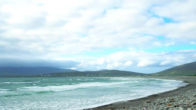 kiel-bucht auf achill island - kiel rumpf stock-videos und b-roll-filmmaterial