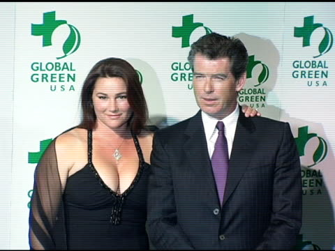 keely shaye smith and pierce brosnan at the global green usa announcement of awards for contributions to the environment at the beverly hilton in... - keely shaye smith and pierce brosnan stock videos & royalty-free footage