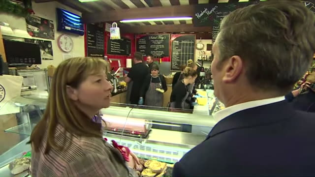keir starmer buying coffee on the campaign trail in scotland - ordering stock videos & royalty-free footage