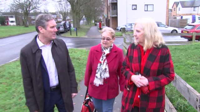 keir starmer on the labour leadership campaign trail in stevenage - 労働党点の映像素材/bロール