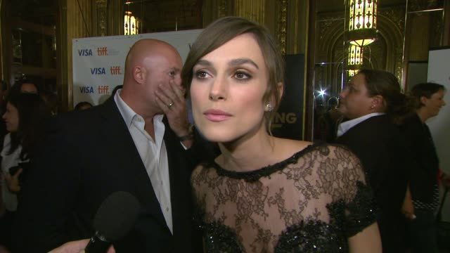 keira knightley on what made her want to play anna, if her character makes the right choice between romance and reputation, what was the most fun or... - ジョーライト点の映像素材/bロール