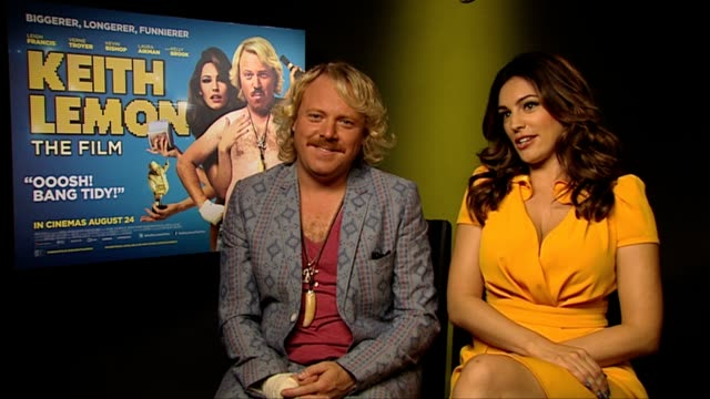 keith lemon and kelly brook on the script at keith lemon the film interview at soho hotel on august 20 2012 in london england - kelly brook stock-videos und b-roll-filmmaterial