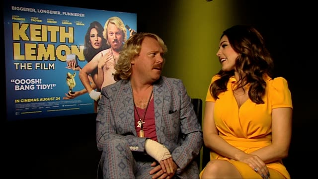 keith lemon and kelly brook on would they be friends if keith wasn't famous at keith lemon the film interview at soho hotel on august 20 2012 in... - kelly brook stock-videos und b-roll-filmmaterial
