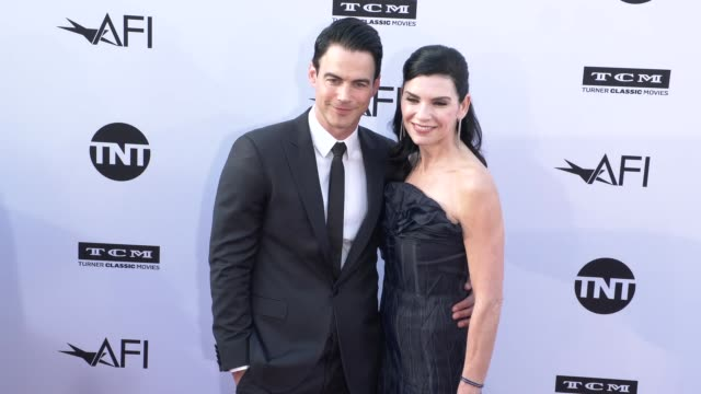 vídeos de stock, filmes e b-roll de keith lieberthal and julianna margulies at the american film institute honors george clooney with 46th afi life achievement award at dolby theatre on... - american film institute