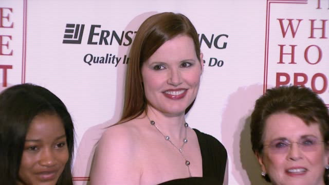 keke palmer, geena davis, and billie jean king at the white house project honors billie jean king, at 2007 epic awards at the american museum of... - ジーナ デイヴィス点の映像素材/bロール