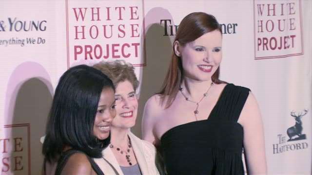 keke palmer, marie c wilson, geena davis at the white house project honors billie jean king, at 2007 epic awards at the american museum of natural... - ジーナ デイヴィス点の映像素材/bロール