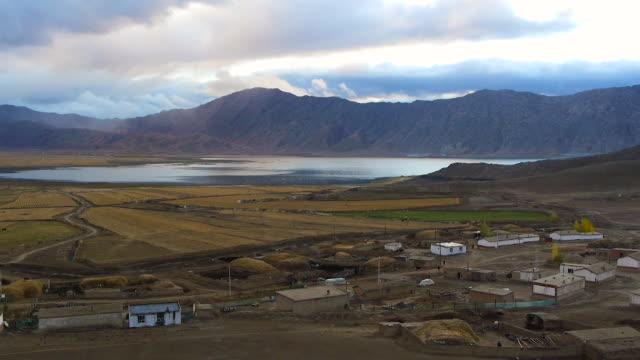 vidéos et rushes de keketuohai national geological park, xinjiang uygur autonomous region, china - cahute