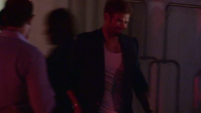 kellan lutz departs the mondrian hotel in west hollywood, 08/17/12 - モンドリアンホテル点の映像素材/bロール