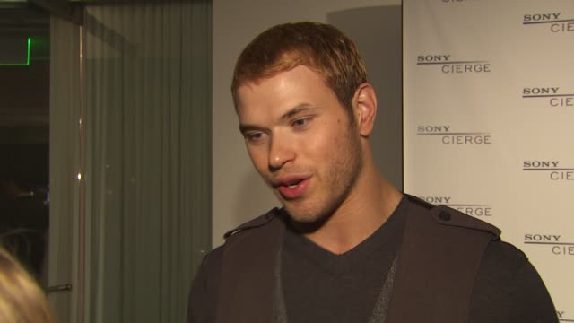 vidéos et rushes de kellan lutz on being a gadget guy twilight's policy on cameras the last great memory he shot with his camera which was a scene with robert pattinson... - en dernier