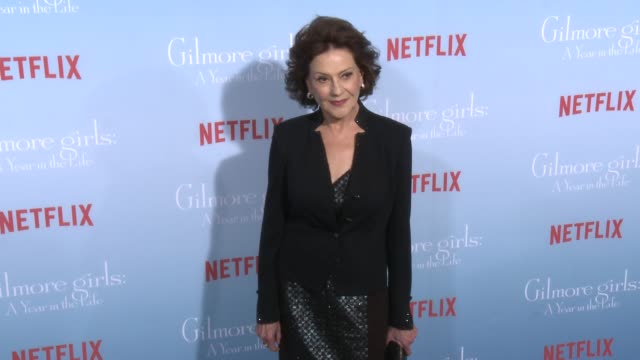 stockvideo's en b-roll-footage met kelly bishop at the premiere of netflix's gilmore girls a year in the life at regency bruin theater on november 18 2016 in westwood california - bruin theater