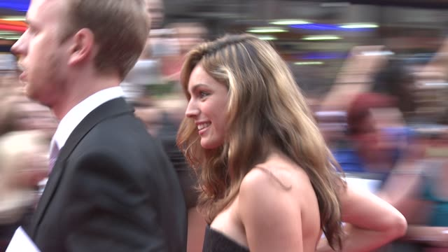kelly brook at the the ugly truth uk premiere at london england - kelly brook stock-videos und b-roll-filmmaterial