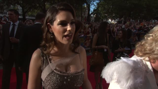 kelly brook on the story being nervous filming with leigh francis filming undressing scenes on british comedies at keith lemon the film uk premiere... - kelly brook stock-videos und b-roll-filmmaterial