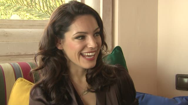 kelly brook on what she's been working on since piranha 3d at the removal interviews 7th dubai international film festival at dubai - kelly brook stock-videos und b-roll-filmmaterial