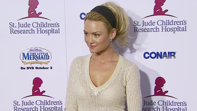 Kelly Carlson at the Runway For Life Benefiting St Jude Children's Research Hospital at the Beverly Hilton in Beverly Hills California on September...