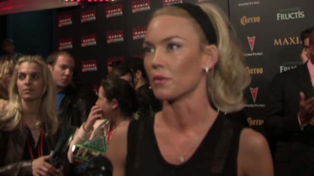 kelly carlson talks about the list at the 2006 maxim hot 100 party at buddha bar in new york, new york on may 18, 2006. - ブッダバー点の映像素材/bロール