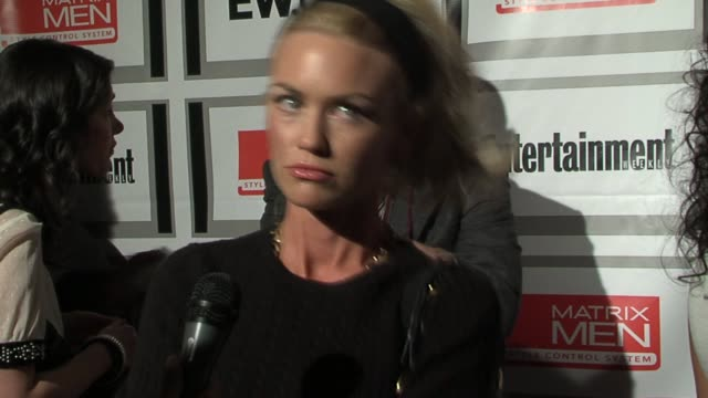 Kelly Carlson talks about working on a new Lifetime movie Nip/Tuck and being newly single at the The Entertainment Weekly Upfront Party Presented by...