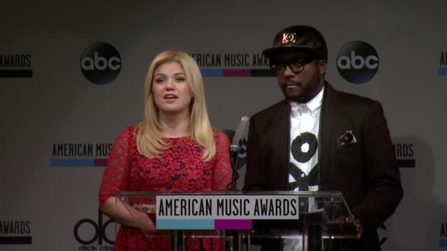 SPEECH Kelly Clarkson announces the favorite artist for electronic dance music at the 2013 American Music Awards Nominations Press Conference at BB...