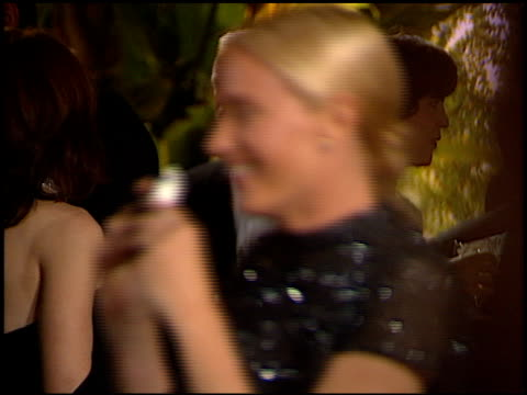 stockvideo's en b-roll-footage met kelly lynch at the 1998 academy awards vanity fair party at morton's in west hollywood california on march 23 1998 - 70e jaarlijkse academy awards