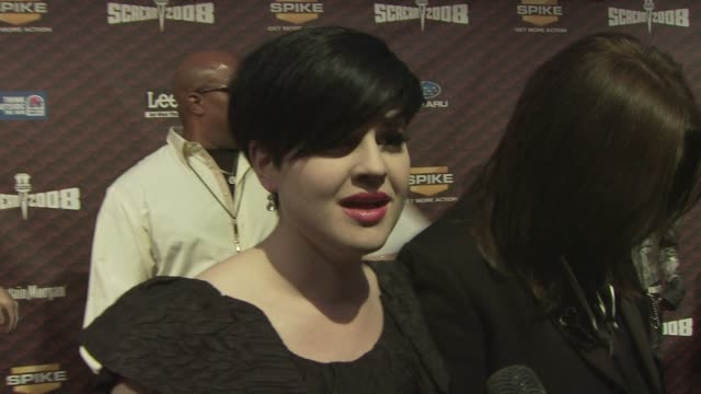 kelly osbourne talks about how exciting it is to be out all together as a family and how people love to be scared. at the spike tv's scream 2008 at... - scream named work stock-videos und b-roll-filmmaterial