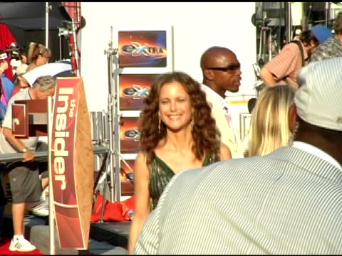 kelly preston at the 13th annual espy awards arrivals at the kodak theatre in hollywood california on july 13 2005 - kelly preston stock-videos und b-roll-filmmaterial