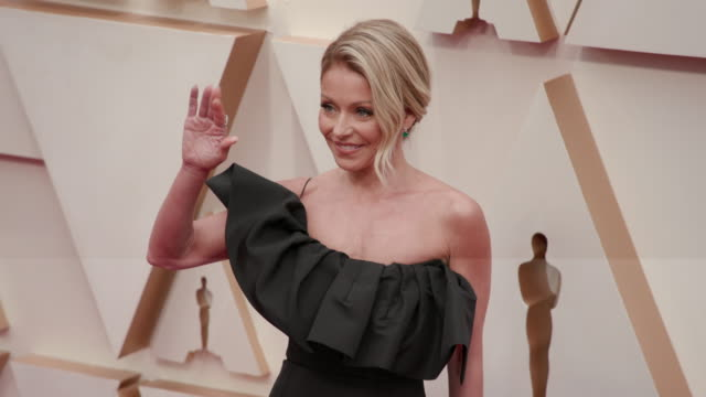 kelly ripa at the 92nd annual academy awards arrivals on feb 09 2020 in hollywood february 9 2020 - academy of motion picture arts and sciences stock videos & royalty-free footage