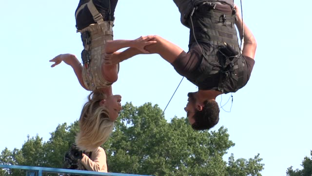 kelly ripa david blaine at the david blaine hangs upside down in central park at new york ny - hanging stock videos & royalty-free footage