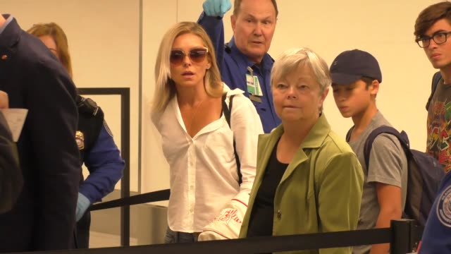 Lax Airport Celebrity Sightings 2013 - YouTube