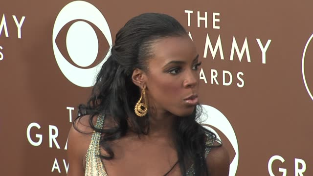 stockvideo's en b-roll-footage met kelly rowland at the 2006 grammy awards arrivals at the staples center in los angeles, california on february 8, 2006. - kelly rowland