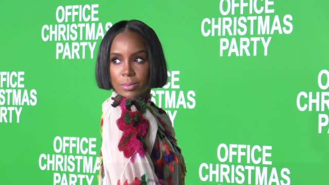 stockvideo's en b-roll-footage met kelly rowland at the premiere of paramount pictures' 'office christmas party' on december 07, 2016 in westwood, california. - kelly rowland