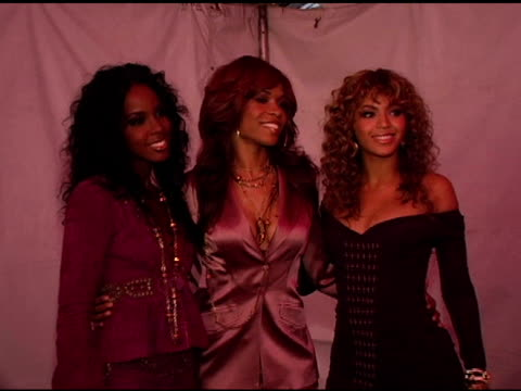 stockvideo's en b-roll-footage met kelly rowland beyonce knowle and michelle williams of destiny's child at the rockin' the corp an american thank you celebration concert for us... - 2005