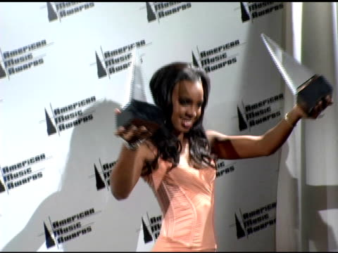 kelly rowland of destiny's child at the 2005 american music awards press room at the shrine auditorium in los angeles, california on november 22,... - destiny's child stock-videos und b-roll-filmmaterial