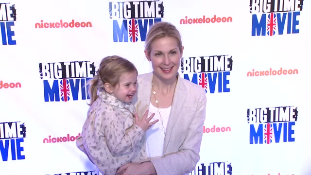 kelly rutherford and daughter helena at 'big time movie' starring big time rush original tv movie premiere and nickelodeon meet greet on 3/8/2012 in... - kelly rutherford stock videos & royalty-free footage
