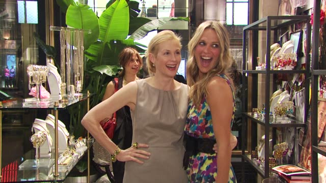 kelly rutherford and molly sims at the molly sims launches 'grayce by molly sims the collection' at new york ny. - モリー・シムズ点の映像素材/bロール