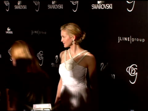 kelly rutherford at the costume designer's awards at the beverly hilton in beverly hills california on february 25 2006 - kelly rutherford stock videos & royalty-free footage