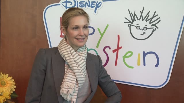 kelly rutherford at the disney baby einstein kelly rutherford launch the baby einstein discovery kits at new york ny - kelly rutherford stock videos & royalty-free footage