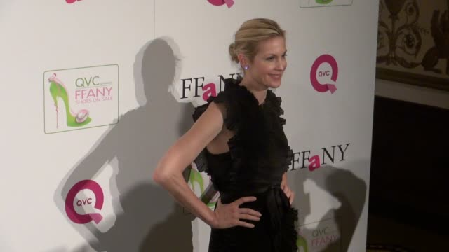 kelly rutherford at the ffany shoes on sale gala in new york 10/13/11 - kelly rutherford stock videos & royalty-free footage