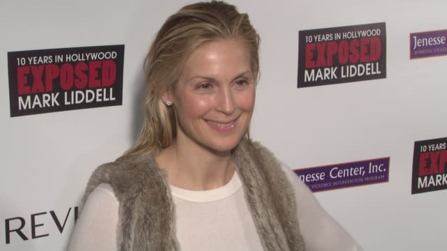 kelly rutherford at the halle berry hosts 'an evening of awareness' to benefit the jenesse center at new york ny - kelly rutherford stock videos & royalty-free footage