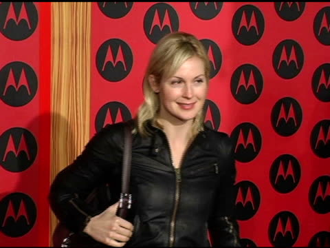 kelly rutherford at the motorola 6th anniversary holiday party arrivals at the music box theater in hollywood california on december 2 2004 - kelly rutherford stock videos & royalty-free footage