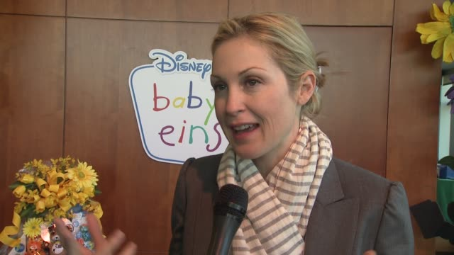 kelly rutherford describes how she and her children use baby einstein products at the disney baby einstein kelly rutherford launch the baby einstein... - kelly rutherford stock videos & royalty-free footage